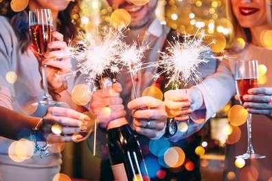 Новогодняя ночь 2020 на теплоходе с развлекательной программой, ведущим и ужином